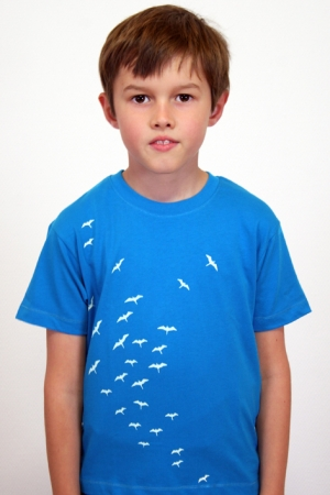 "Kinder-T-Shirt ""Vogelschwarm"" - blau, GOTS, Fair Wear"